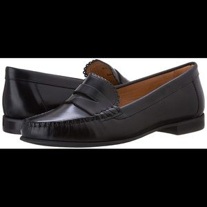 Jack Rogers Women's Black Quinn Penny Loafer - 7